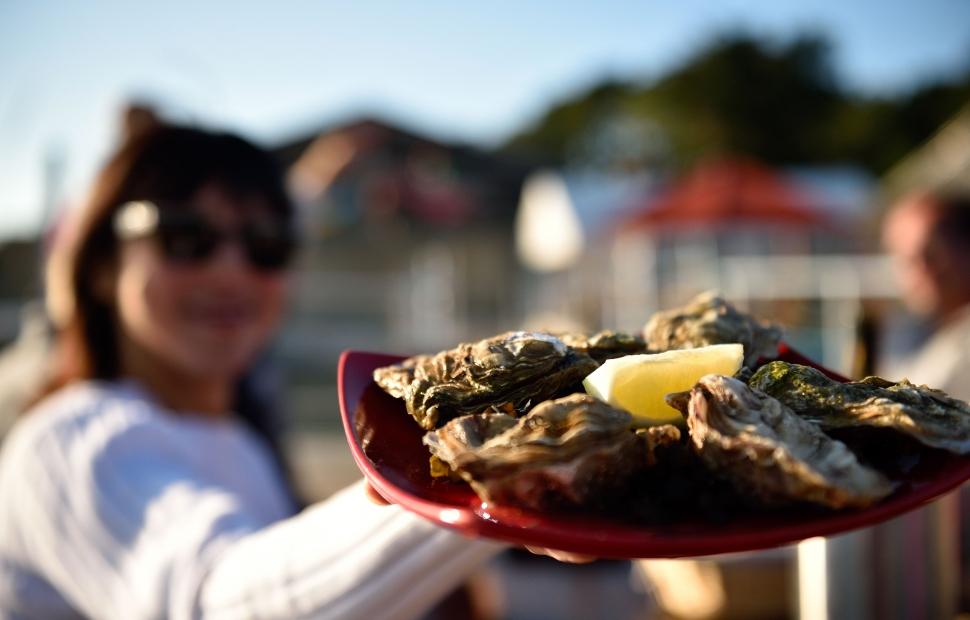 Dégustation huîtres (c) GLADU RonanGLADU Ronan
