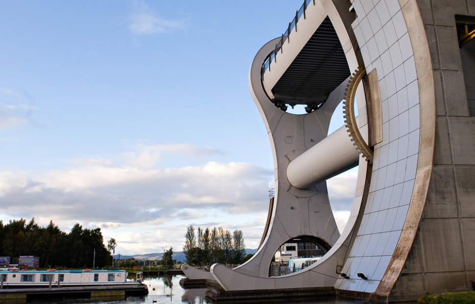 Falkirk wheel (c) VisitBritain