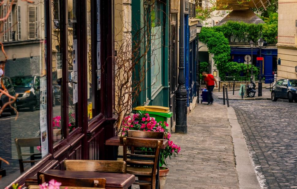 Montmartre (c) AdobeStock_179812638 (1)