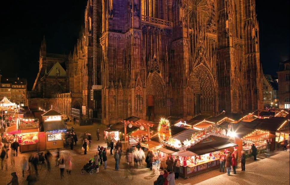 Strabourg_Marche_de_Noel_place_de_la_Cathedrale (c) Christophe_Hamm