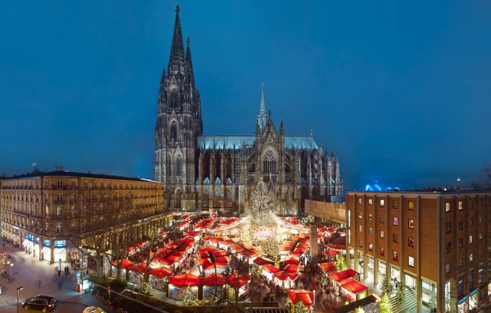 Cologne, march� de No�l au pied de la cath�drale (c) K�ln tourismus