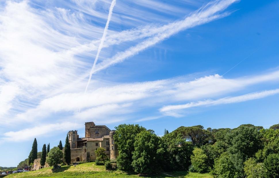 Lourmarin, château (c) photos_Provence guide