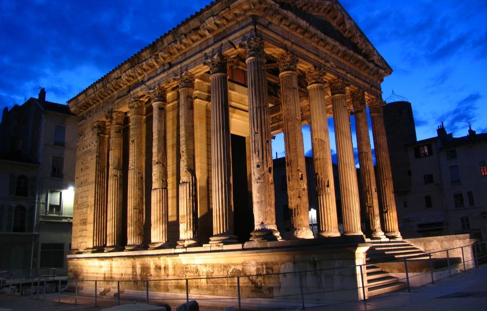 Temple Auguste et Livie (c) Henry Landeau