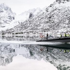 Magie des fjords de Norvège en hiver