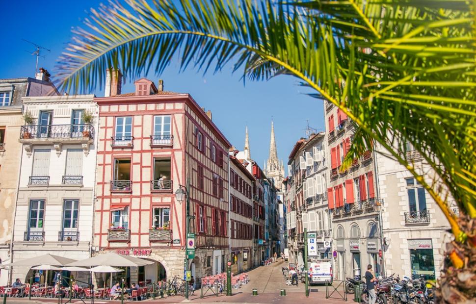 Bayonne rue Port de Castets � Pierre-Alex
