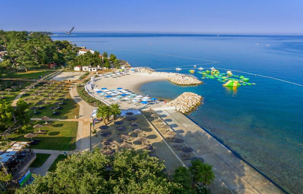 Valamar Pinia Hotel_Marea beach