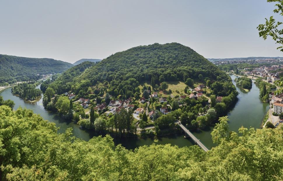 Boucle du Doubs (c) � CRT Bourgogne-ranche-Comt�  Saline Royale  - damien lachas / damienlachas.com