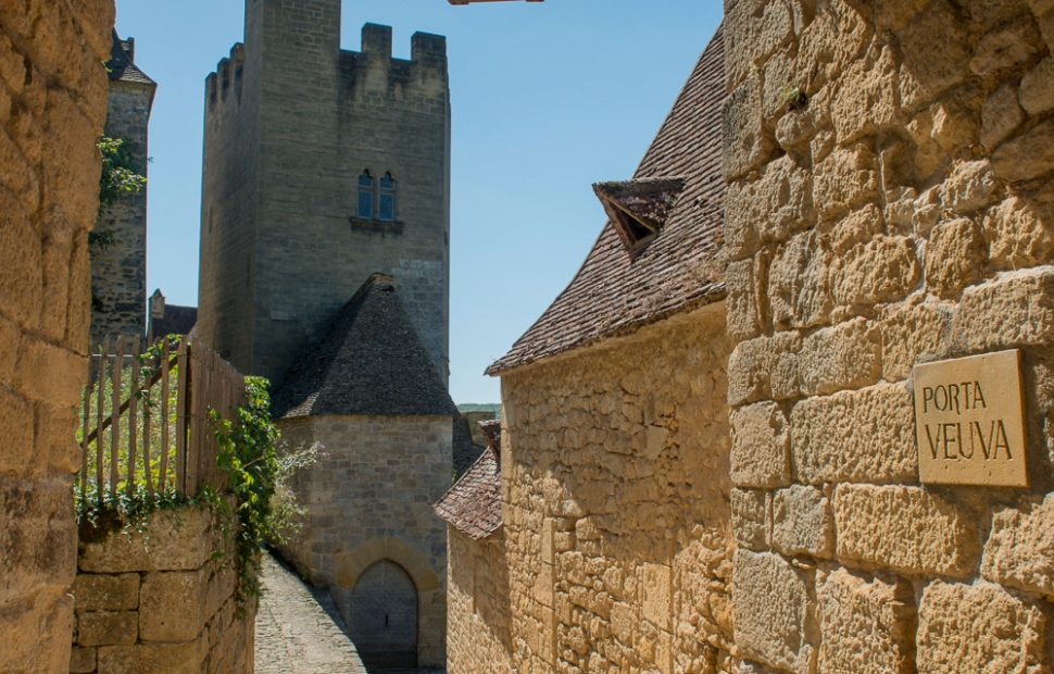 Beynac (c) Alban_GILBERT_CRTA-Promenade_dans_les_rues_de_Beynac-8254