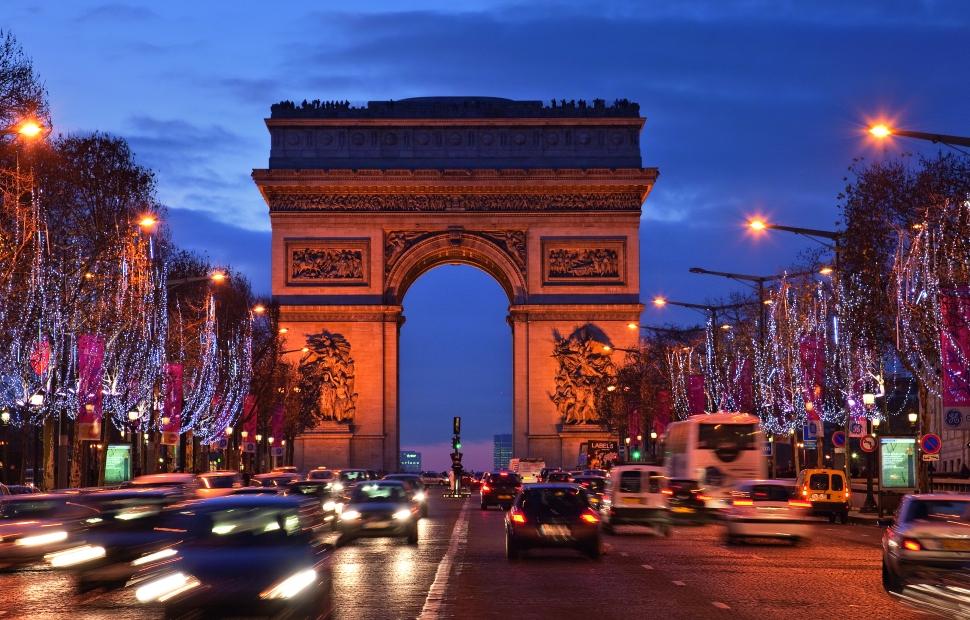 Paris, Champs Elys�es � Paris Tourist Office - Photographe  Jacques Lebar.jpg