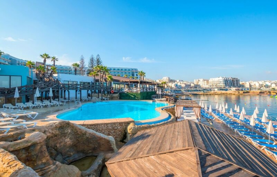 h�tel Dolmen - vue piscine et plage