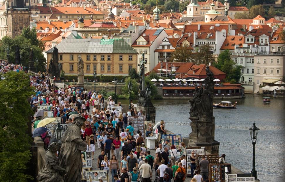 Pont Charles et le ch�teau � Prague Information Service