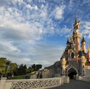 Disneyland (logement sur le parc)