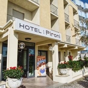HOTEL PIRONI***