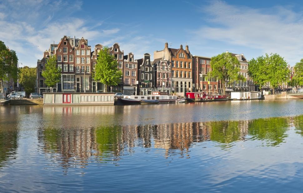 Amsterdam (c) AdobeStock_165441447