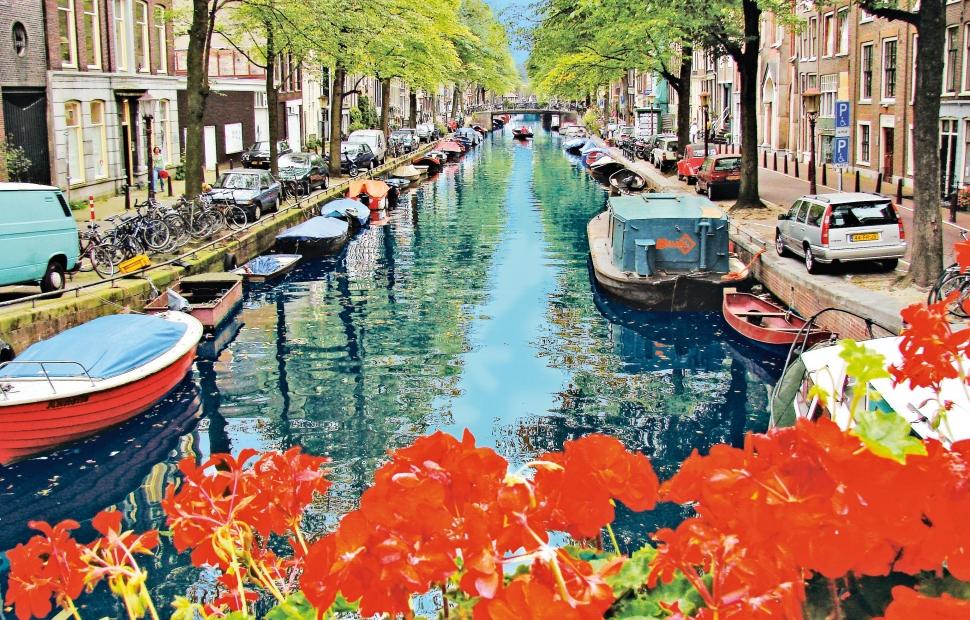 amsterdam (c) Julien Priv�