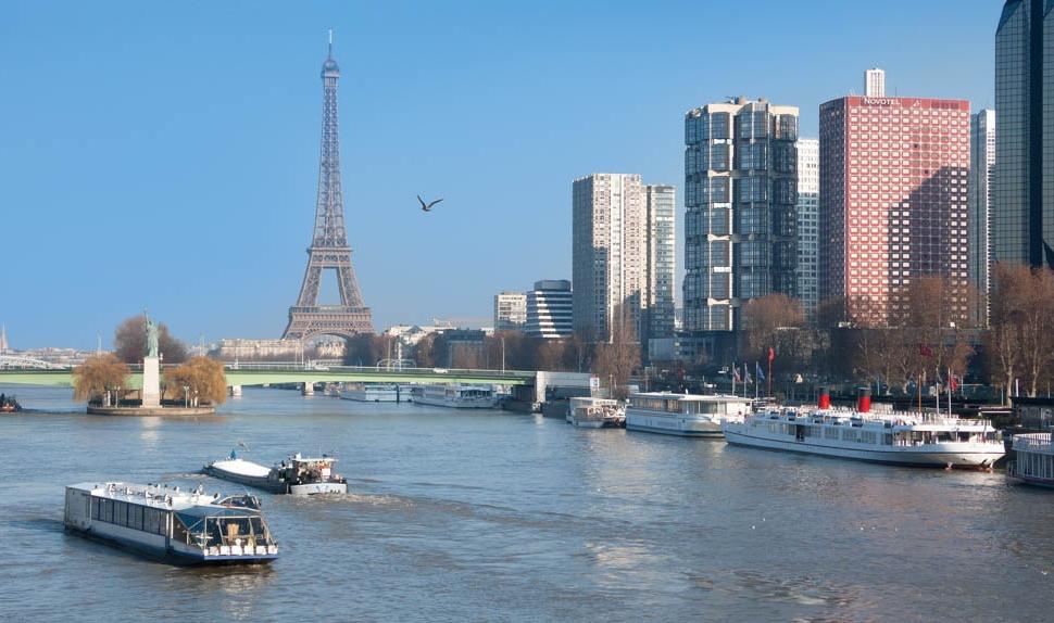 Vue depuis le pont Mirabeau � Paris Tourist Office - Annemiek Veldman