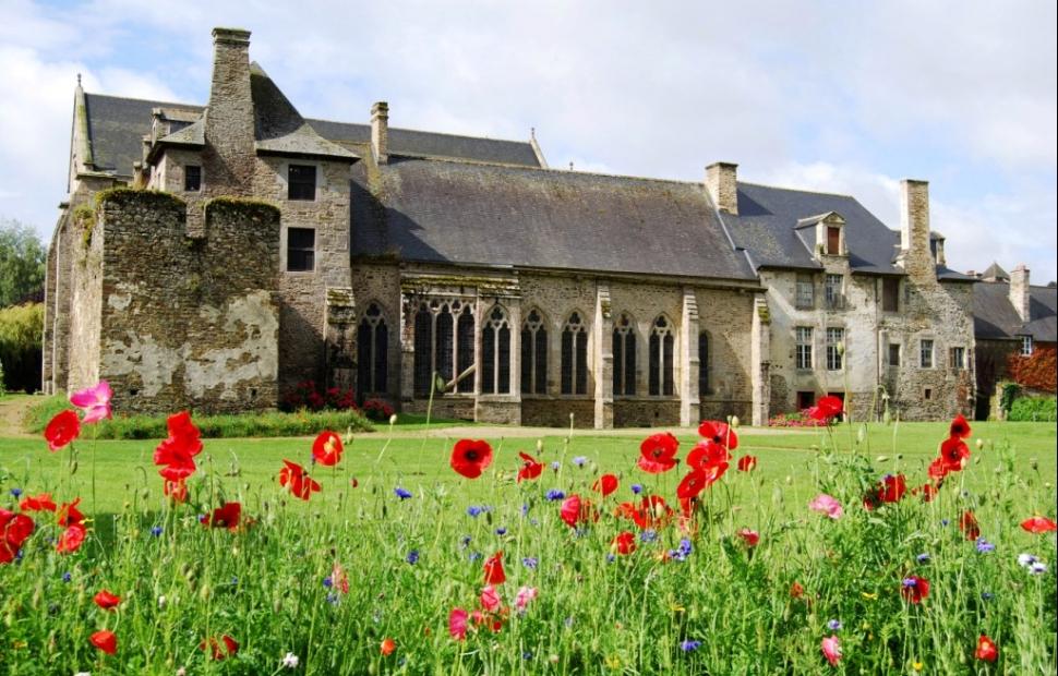 Abbaye de L�hon (c) Dinan Cap Fr�hel tourisme -