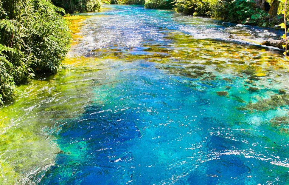 L-oeil bleu � Fotolia