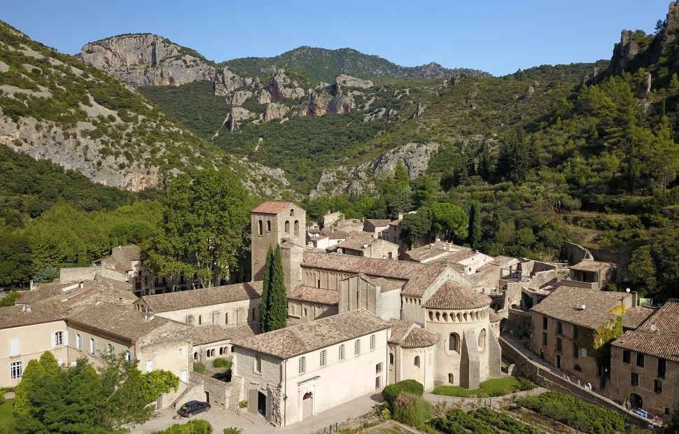 St Guilhem-le-D�sert, abbaye de Gellone � Eric Brendle 2