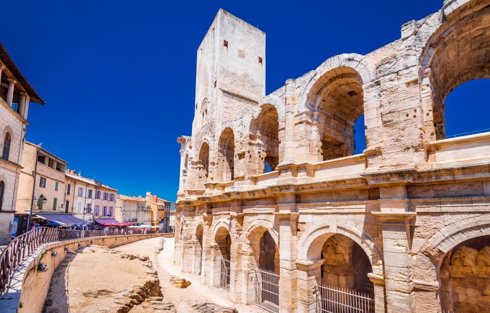 Arles, les ar�nes (c) AdobeStock