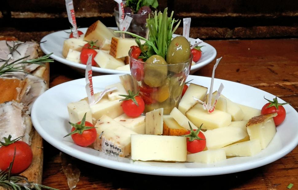 formaggi e olive