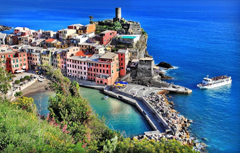 102. Vernazza, Cinque Terre - Freesurf - Fotolia