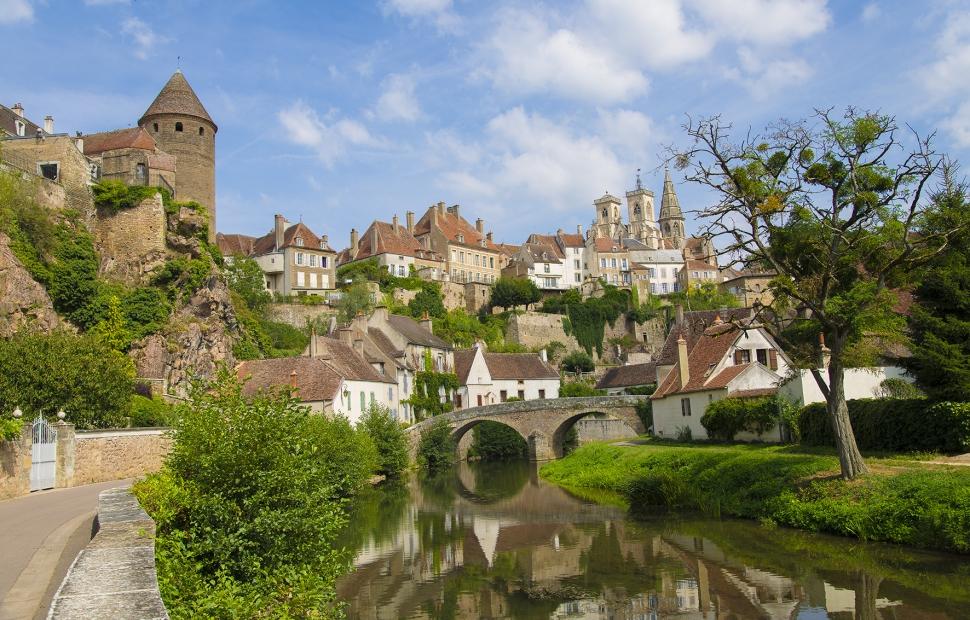 65. ENTETE - Semur en auxois (c) Alain DOIRE  Bourgogne-Franche-Comt� Tourisme