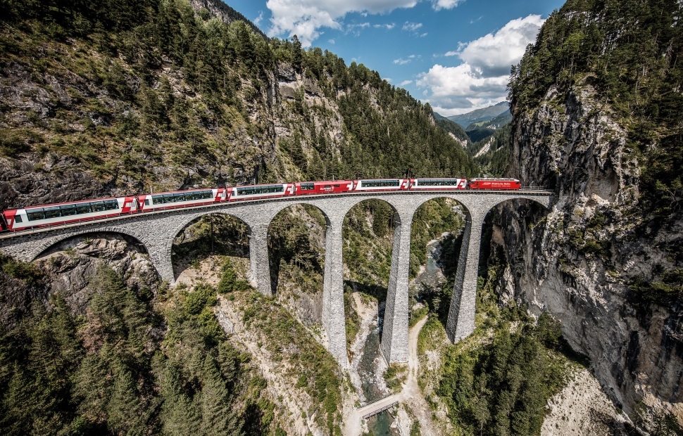 Glacier express (c) swiss-image.ch - Andrea Badrutt