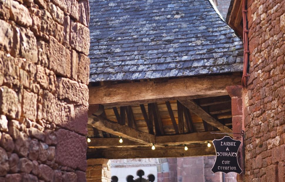 5. Halle de Collonges la Rouge (c) Pierre SOISSONS  Corr�ze Tourisme (2)