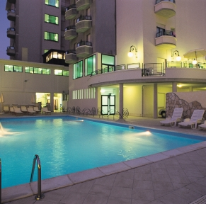 HOTEL ROYAL****