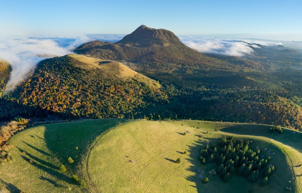 Cha�ne des Puys (c) F. Cormon - Auvergne-Rh�ne-Alpes Tourisme (2)