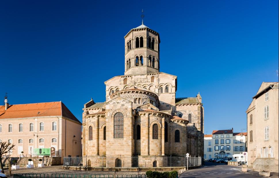 Issoire, abbatiale St-Austremoine (c) A. Frich - Auvergne-Rh�ne-Alpes Tourisme