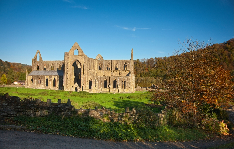 Tinter abbey � Crown copyright 2018 (Visit Wales) (1)