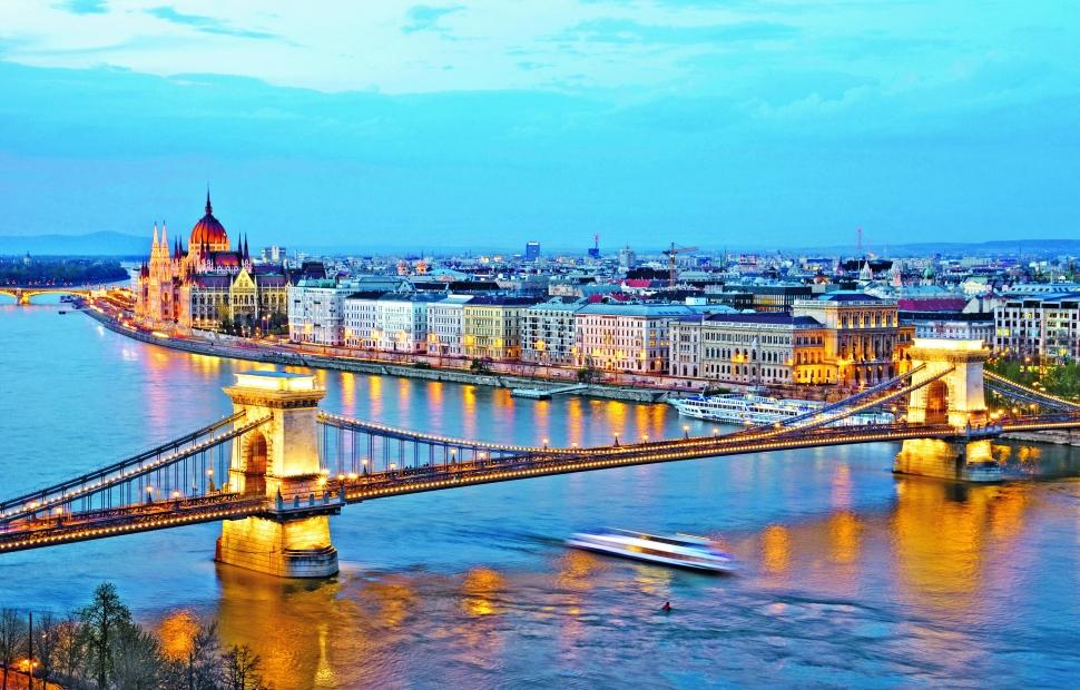 Budapest (c) ollirg - Fotolia