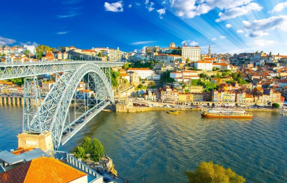 Porto (c) Fotolia_111939989_M