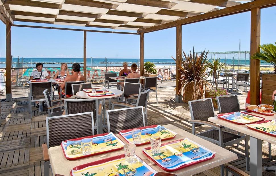 Restaurant � la plage (payant)