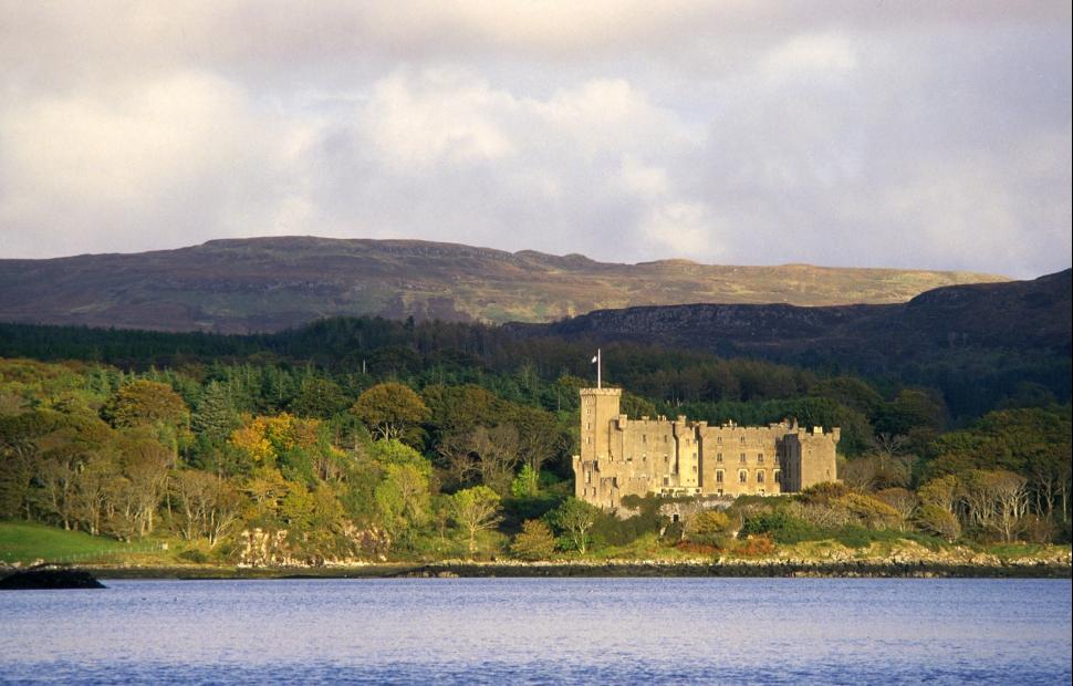 Dunvegan castle (c) Paul Tomkins - Visitscotland
