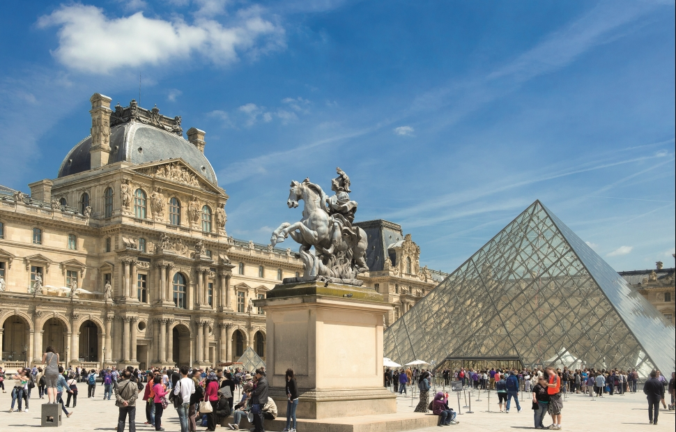 Mus�e du Louvre � Paris Tourist Office - Daniel Thierry