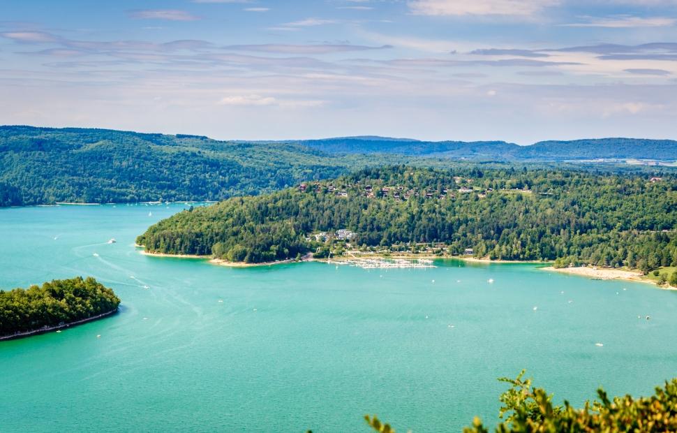 Lac de Vouglans (c) AdobeStock