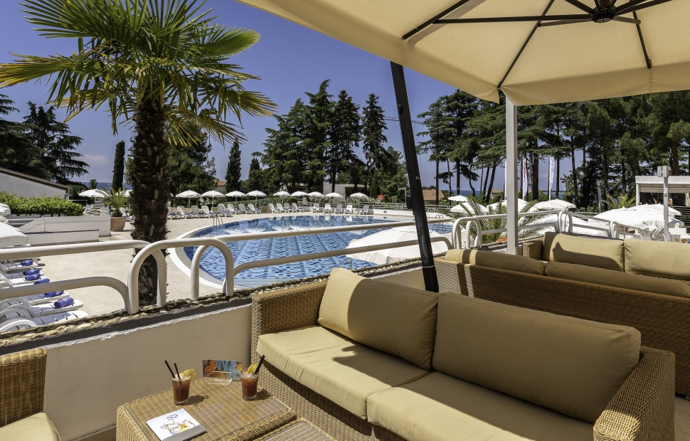 Valamar Pinia Hotel_Bistro Bazen_2