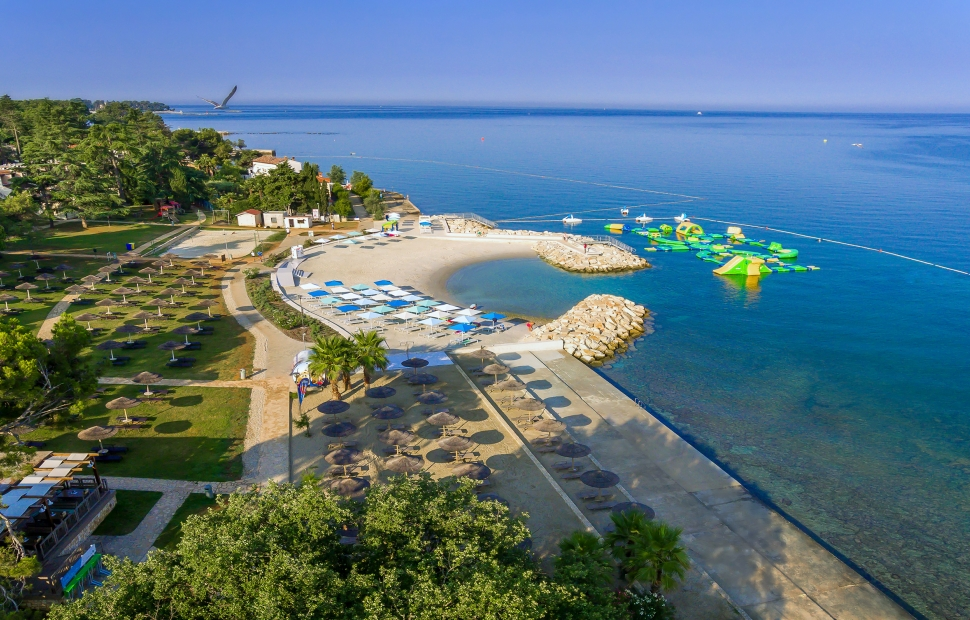 Valamar Pinia Hotel_Marea beach_01