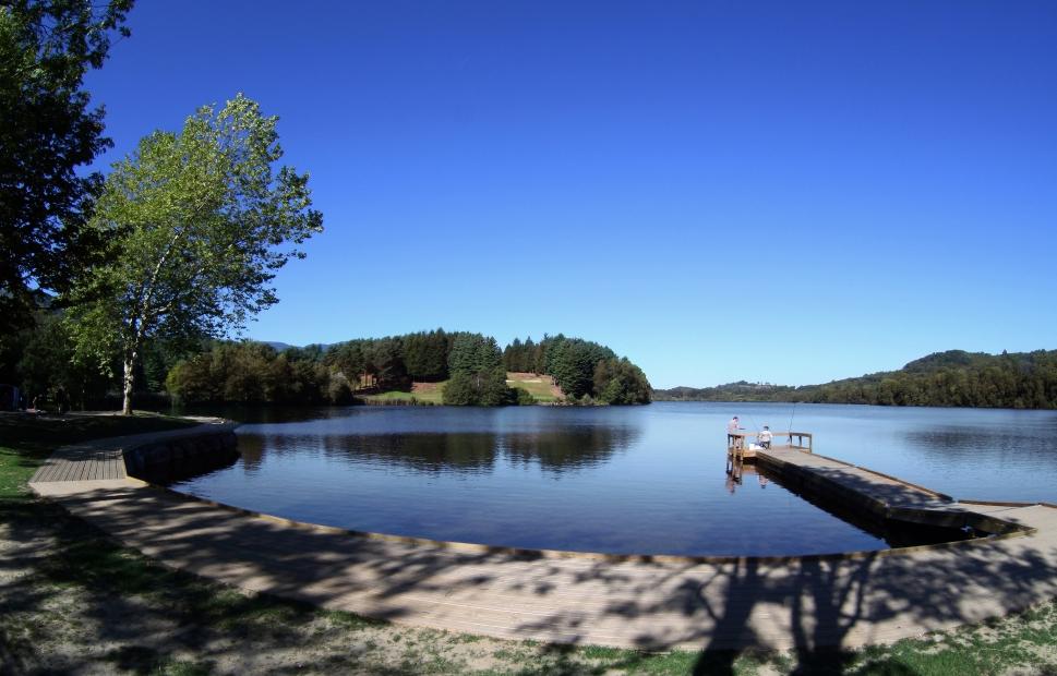 Embarcad�re Lac de Lourdes �OT Lourdes Studio GP Photo