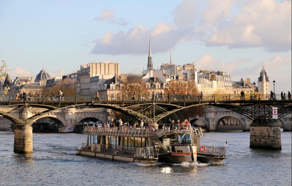 Pont des Arts � Paris Tourist Office - Photographe - Sarah Sergent