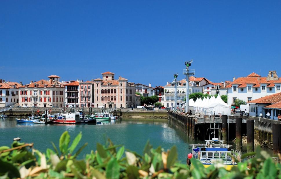 Pays basque voyages - Linge basque st jean de luz ...