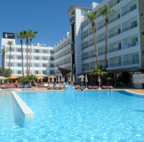 HOTEL ALEGRIA PINEDA SPLASH****