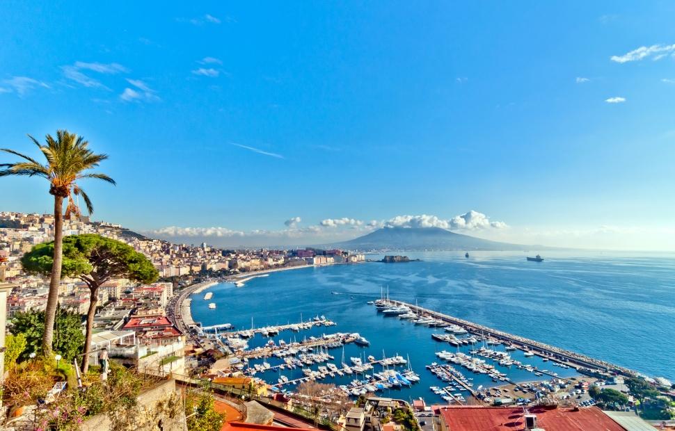 Naples, le port � eddygaleotti - Fotolia