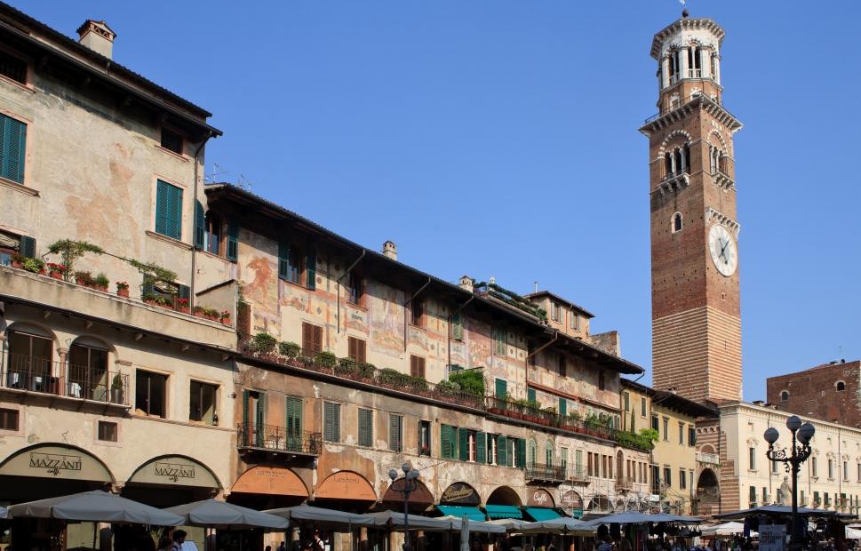 Piazza delle Erbe, Case Mazzanti e Torre dei Lamberti, V�rone - Provincia di Verona Photo Archive - Thilo Weimar